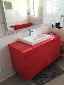 Meuble salle de bains laqué brillant